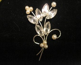 Vintage Juliana Style Clear Rhinestone and Faux Pearl Flower Brooch