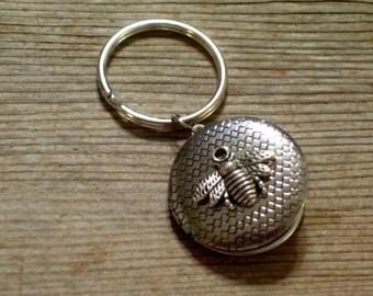 Silver Bee Locket Key Chain, Silver Plated Locket Key Ring , Honeybee Locket, Split Ring Key Holder, Unisex Key Chain, Bee Jewelry