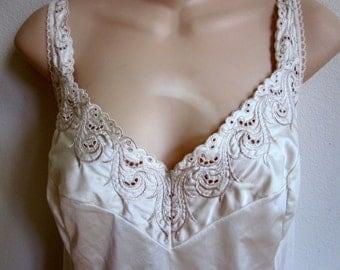 Vintage camisole cami slip ivory white nylon lace  lingerie 38 bust  L