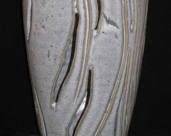 gray cylindrical vessel