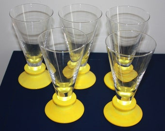 Mod Drinking Glasses with Lemon Yellow Art Glass Bottoms – Pilsners – Set of 5