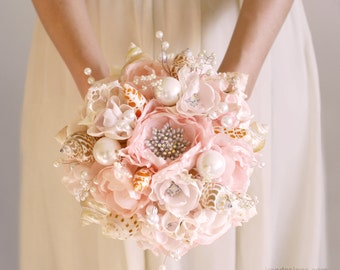 Light pink and silver seashell wedding bouquet.  Beach wedding bouquet. Brooch wedding Bouquet