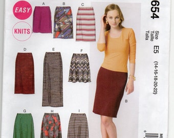 Semi Fitting Or Loose Knit Skirt With Elastic Waistband And Narrow Hem Plus Size 14 16 18 20 22 Sewing Pattern 2012 McCalls M6654