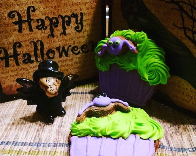3 Spider cupcake Dog Treats pumpkin flavored Halloween Hauntingly Good