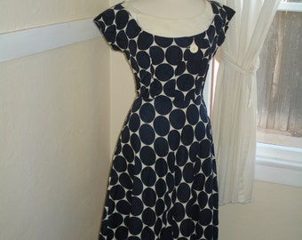 Late 1940's or early 1950's Dress - Vintage 40s or 50s Silk Dress S-M - Pretty as a Polka-Dot