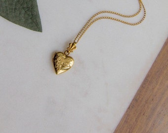 Vintage Locket Necklace Jewelry / Gold Filled Petite Deco Heart Necklace / 40s Sweetheart New Old Stock NOS / EVERLY
