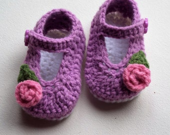 Baby girl shoes, crochet baby shoes, purple baby slippers, knit baby shoe, shoes with flower, crib shoes, 0-3 month size, ready to ship.