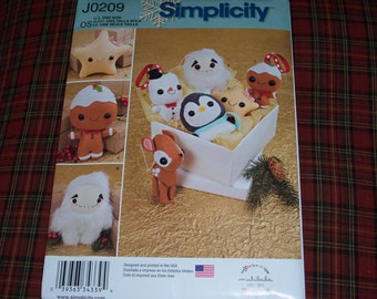 New 2015 Simplicity Christmas Ornament Pattern...Simplicity 8035...Stuffed Animals and Ornaments...