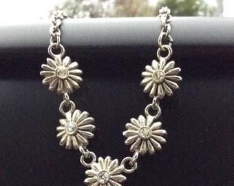 Daisy Flower Necklace Rhinestone Silver Tone Vintage Jewelry, SUMMER SALE