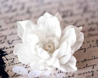 71411_Floral hair clip, White flower clip, White flower, Hair accessories, Flower brooch, Hair clips, Bridesmaid flower Lotus hair clip.