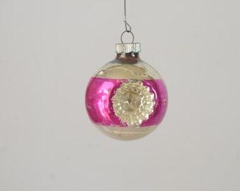 Vintage Christmas Ornament Glass Christmas Shiny Brite Ornament 570