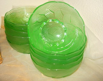Vintage Set of Ten Lime Green Elegant Glass Dessert Salad Berry Bowls Antique 1920s to 1950s French Country Farmhouse Basket Weave Pattern