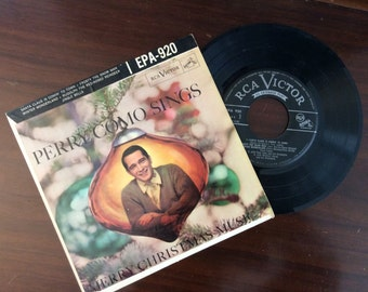 vintage Christmas Tunes ... PERRY COMO sings Merry Christmas Music  45 RECORD in Sleeve ...