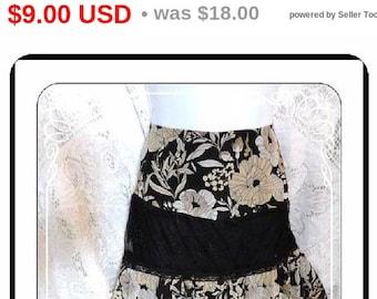 BOHO Maxi Skirt by Bandolino - BOHO Black and Tan Peasant - Tiered Ruffles - Size 8 plus  -  CLO-001a-081313000