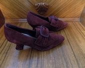 Like New Vintage Unlisted by Kenneth Cole Burgundy Suede Leather Bow Court Royal Period Costume Cosplay Heels Shoes Size 7.5