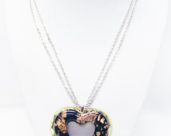 Black/Gold Glass on Gold Tone Textured Open Heart Pendant Necklace