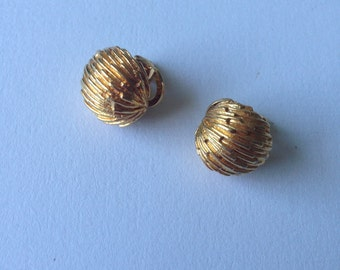 Vintage  Gold Tone  Coro Clip on Earrings
