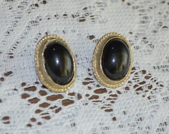 Vintage Earrings, Clip On Earrings, Black Clip On Earrings, Black and Silver Earrings, Made in Japan