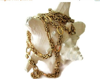 ON SALE Heavy Gold Tone Chain, Vintage Fashion Trend, Chunky Necklace