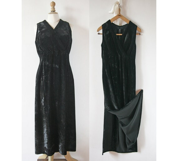 vintage robe noire longue en velours. Black Bedroom Furniture Sets. Home Design Ideas