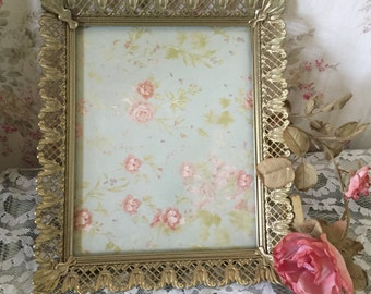 Vintage Ormolu Picture Frame - Gold - Easel stand or can Hang - Lace edge
