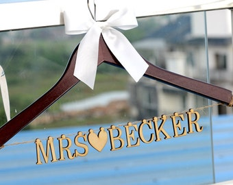 Wedding Hanger with Wood Name, Personalized Rustic Wedding Dress Hanger,Bride Bridesmaid Wood Name Hanger, Wedding Bridal Hanger LL013