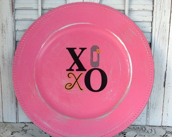 Set of 12 XoXo Pink Charger Plates, Distressed, Valentine's Day Tablescape, Table Ware