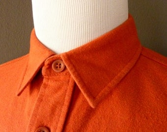 BEAUTIFUL Vintage LL Bean 100% Cotton Chamois Orange Work Shirt M-REG 16 - 33 3/4.  Made in Bulgaria.