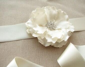 Wedding Sash, Ivory Bridal Dress Belt, Satin Flower, Sash with Rhinestone