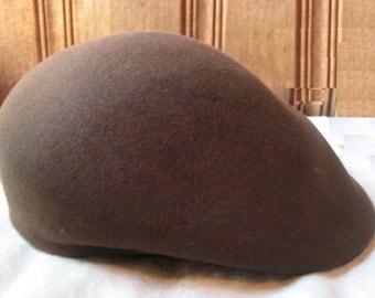 "Brown Felt Cabbie Cap - Vintage Men's Carimac Hat - 100% Wool Felt Newsie Cap - Stylish Warm Winter Cap - 22.5"" Band Man's Med to Large"