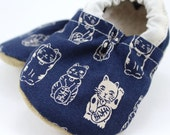 cat baby shoes lucky cat booties maneki neko soft sole shoes asian baby shoes navy blue shoes crib shoes vegan baby shoes chinese new year