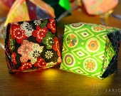 Origami christmas lights with red and green papers - one-of-a-kind - 20 LEDs