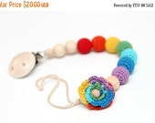 SALE 25% off Rainbow flower dummy chain Pacifier clip, Crochet wooden holder, stroller dummy chain, Rainbow Teething wooden baby toy