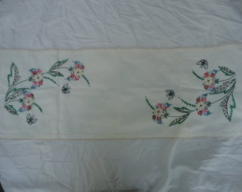 Vintage Hand Needlepoint Floral Butterfly Table Runner Daisies Butterfly Linen Table Runner Bright Colored Floral Table Runner Summertime