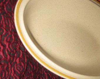 Hearthside Garden Festival Vintage Stoneware Vegetable bowl good to very good