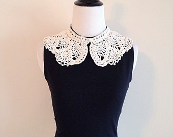 Sweet Vintage Hand Crochet Lace Peter Pan Collar