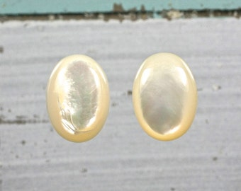Natural Mother of pearl gemstone oval cabochons set 2
