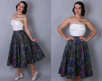 1950s QUILTED CIRCLE SKIRT | Vintage 50s Purple Floral Skirt | xs