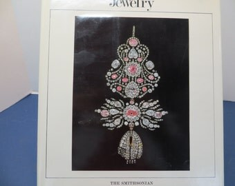 Jewelry, Smithsonian Illustrated Library of Antiques