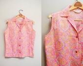 Vintage 60s Pink Paisley Print 'Lady Manhattan' Blouse / 1960s Sleeveless Top / Cotton Button-up Shirt / Size Large-XL