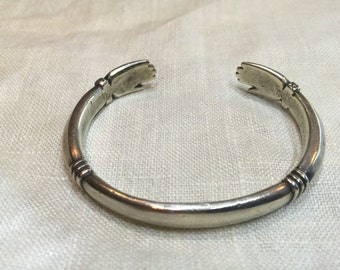 Vintage Jock Favour Ingot Silver cuff bracelet With Hands At Terminals