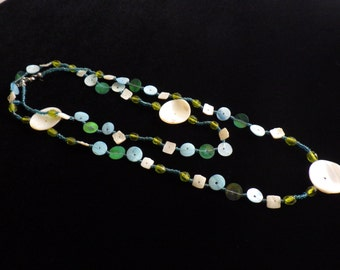 Vintage Beaded Shell Necklace Beachy Mother of Pearl