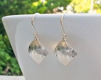 Small Sterling Silver Diamond Pattern Dangle Earrings, 925 Silver Textured Square Earrings, Handmade Lightweight Drops, Argyle Pattern