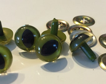 10.5mm Olive Green Cat Eyes 3 pairs