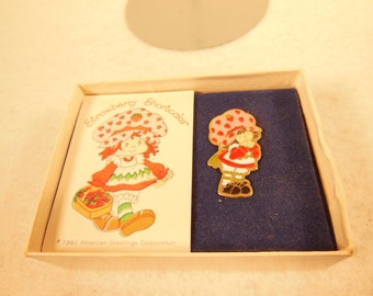 Vintage Strawberry Shortcake-Figural Pin-With Card-Box Bottom-Howard Eldon Ltd.