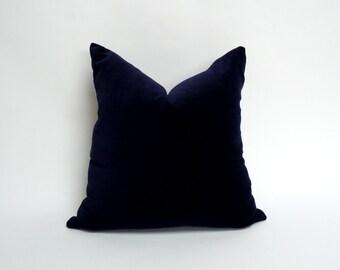 midnight blue velvet cushion case // navy blue pillow // dark blue velvet
