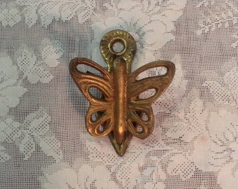Brass butterfly clip hanger wall mounted organizer display retro romantic cottage chic office home decor organization