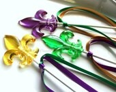 "Mardi Gras Baby Shower, Mardi Gras Wedding, Mardi Gras Favors, Fleur De Lis, 8 Hard Candy Lollipops - includes 6"" stick and satin ribbon"