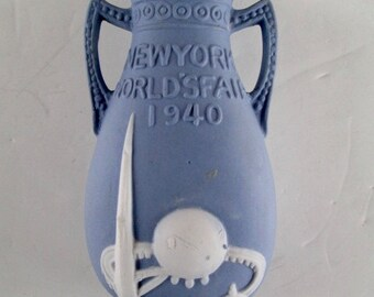 Jasper Ware New York 1939 World's Fair 5 in. Vase