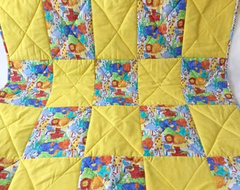 Handmade Baby Quilt, Handmade Zoo Quilt, Zoo Animals Quilt, Crib blanket, Play Mat, Lions and Tigers